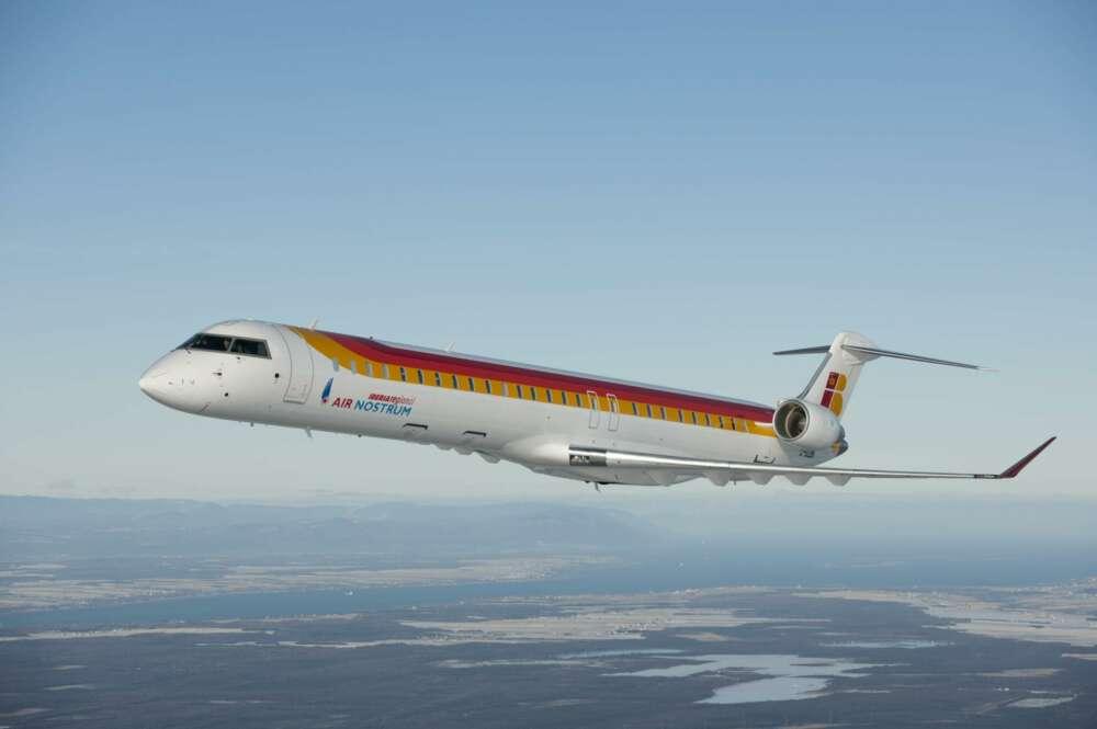 1 CRJ1000 1
