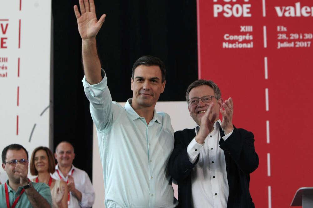 sanchez escenifica paz con ximo puig eres mi presidente y mi secretario general