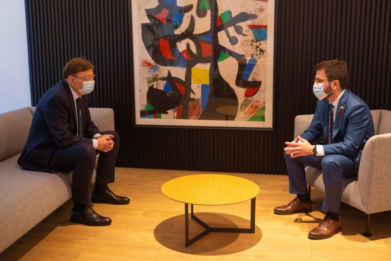 Ximo Puig se reúne este miércoles en València con Pere Aragonés. En la imagen, ambos presidentes en una imagen de archivo./ EFE