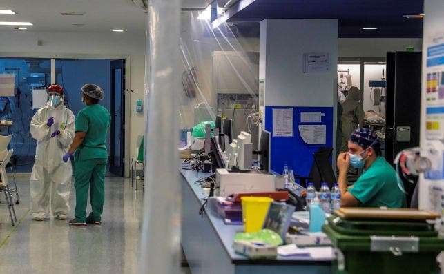 La industria farmacéutica se prepara para evitar los robos durante la distribución de la vacuna con numerosas medidas de protección./ EFE