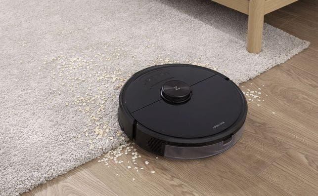 Al detectar una alfombra, el S6 MaxV ajusta por sí mismo la potencia de succión