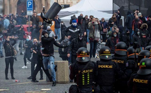Protesta contra las medidas contra el coronavirus en Praga, República Checa, el 18 de octubre de 2020 | EFE/EPA/MD/Archivo