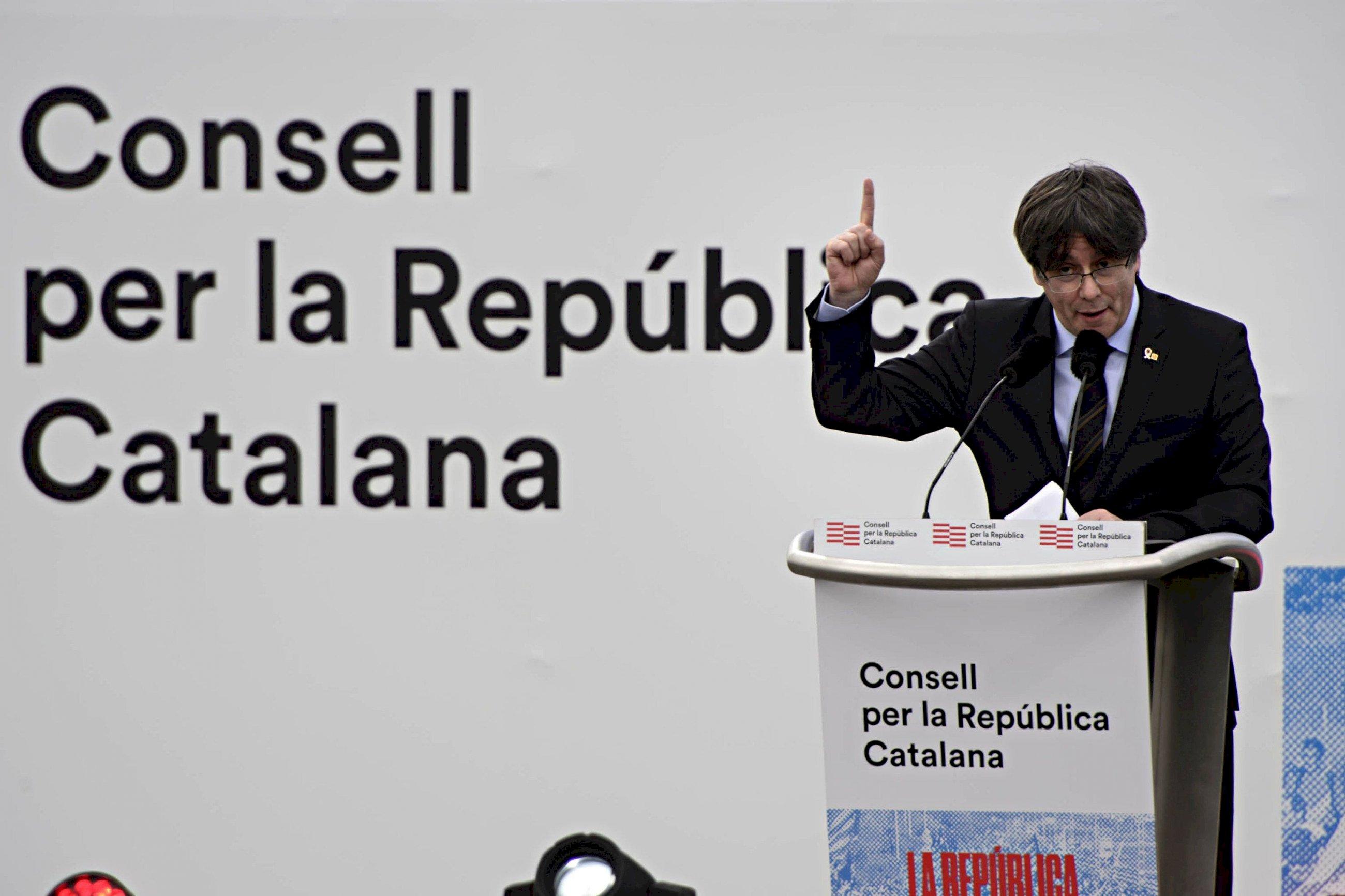 El expresidente fugado de la Generalitat, Carles Puigdemont, en el acto del Consell per la República de Perpinyà (Francia), en febrero de 2020 | ANC/Archivo