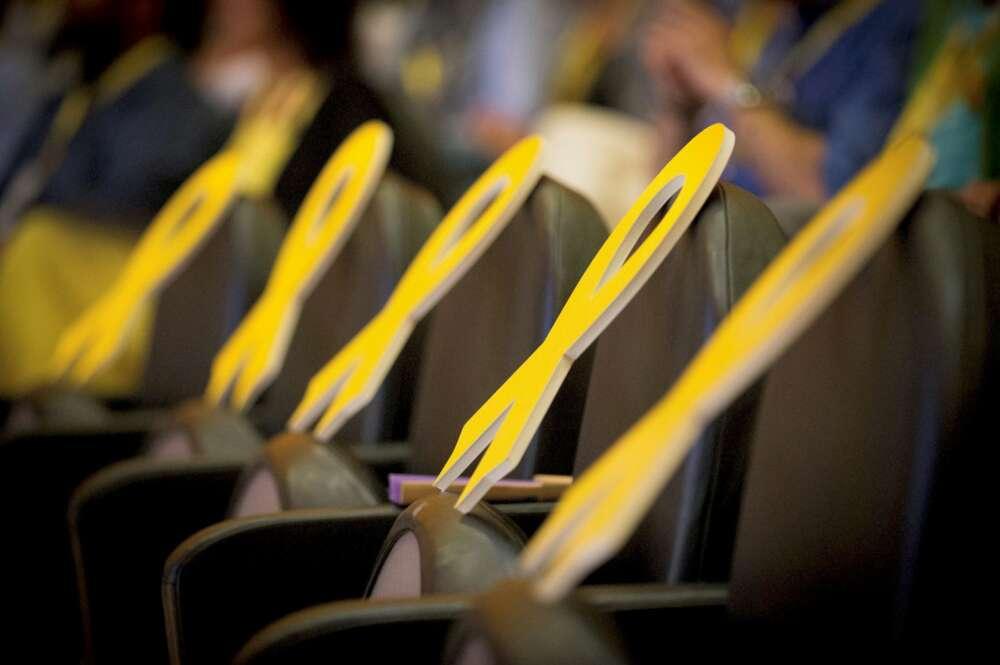 Lazos amarillos en una calle de Barcelona   EFE/Archivo