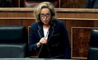 La ministra de Economía, Nadia Calviño, durante una sesión de control al Ejecutivo en el Congreso. Foto: EFE/Ballesteros