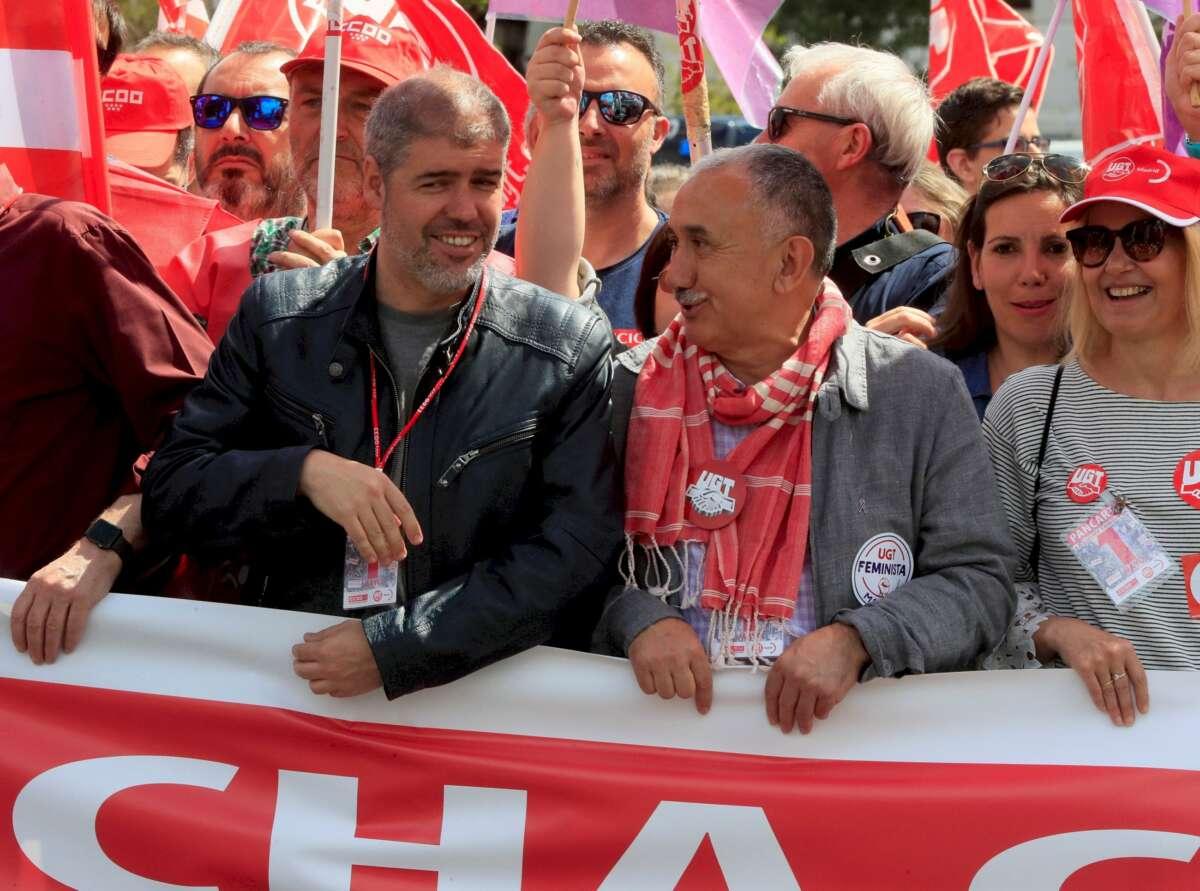 Los dirigentes de CCOO y UGT, Unai Sordo y Pepe Álvarez, en la manifestación del Primero de Mayo. Foto: EFE/FA