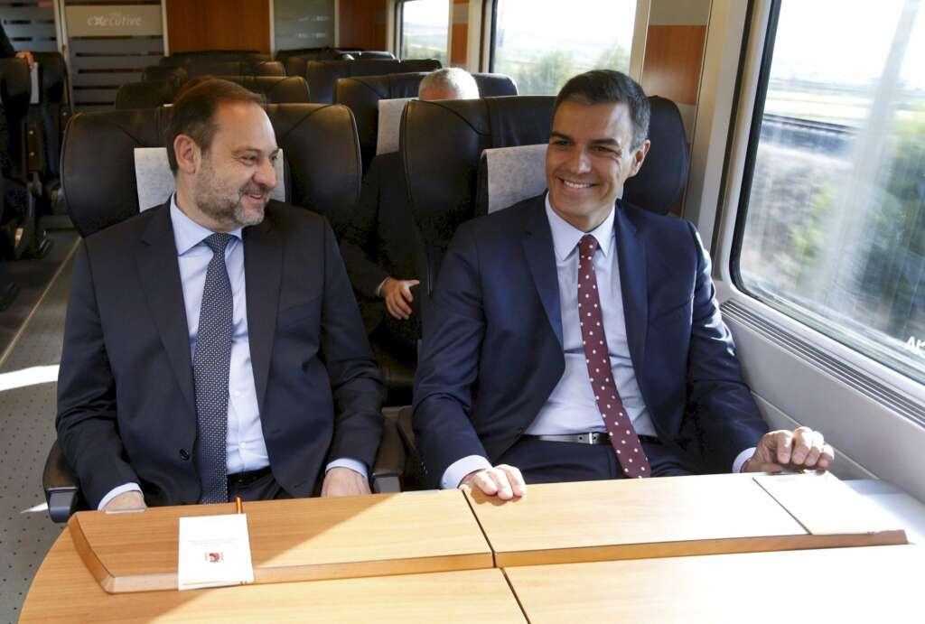 José Luis Ábalos y Pedro Sánchez, en una imagen de archivo. EFE