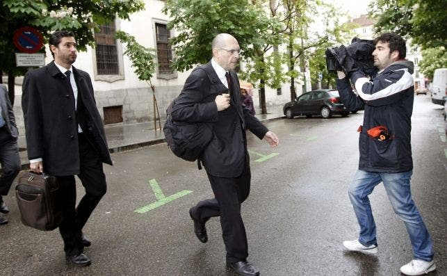 El negocio de Elpidio Silva: más de 1M de euros de los taxistas