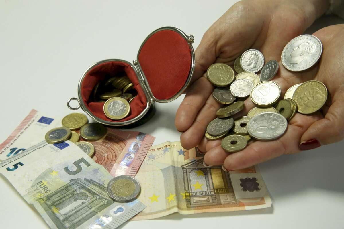 Los españoles se han quedado para siempre con 1.575 millones de euros en pesetas sin canjear. EFE/AD