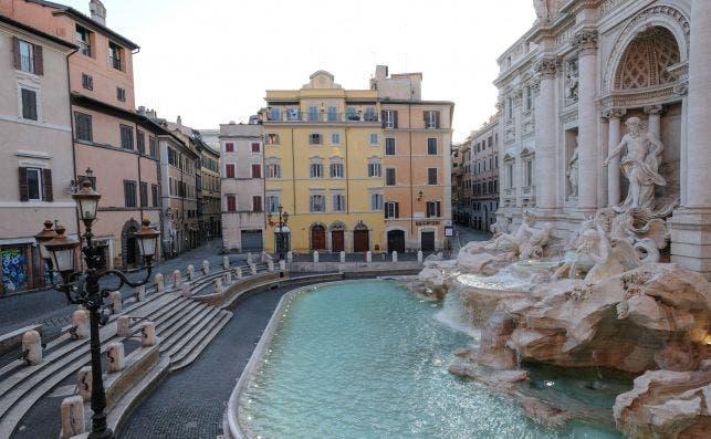 La Fontana di Trevi, en Roma, Italia, totalmente vacía, el 23 de febrero de 2020 | EFE/EPA/ANSA/ADM