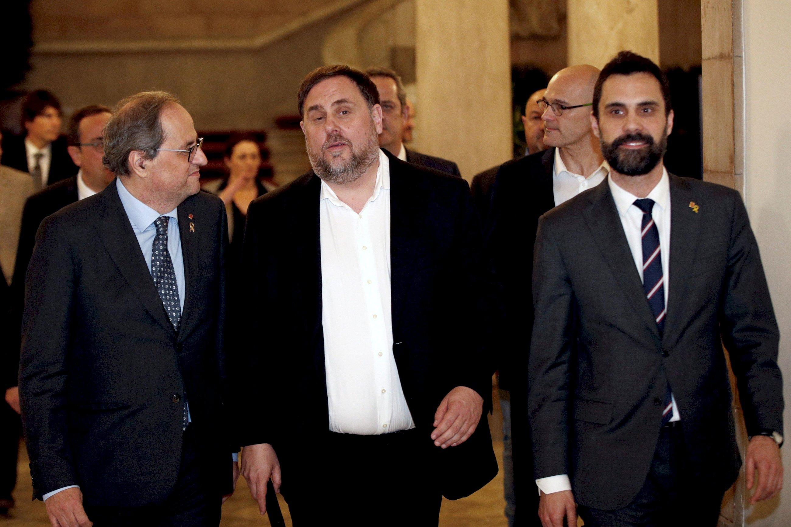 Quim Torra, Oriol Junqueras y Roger Torrent tras la comparecencia de los políticos catalanes presos en la comisión de investigación del 155 en el Parlament, el 28 de enero de 2020 | EFE/AG/Archivo
