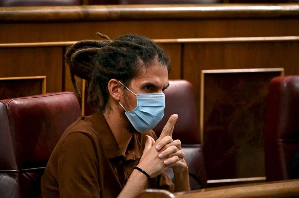 El diputado y secretario de organización de Podemos, Alberto Rodríguez, durante un pleno del Congreso de los Diputados | EFE/Archivo