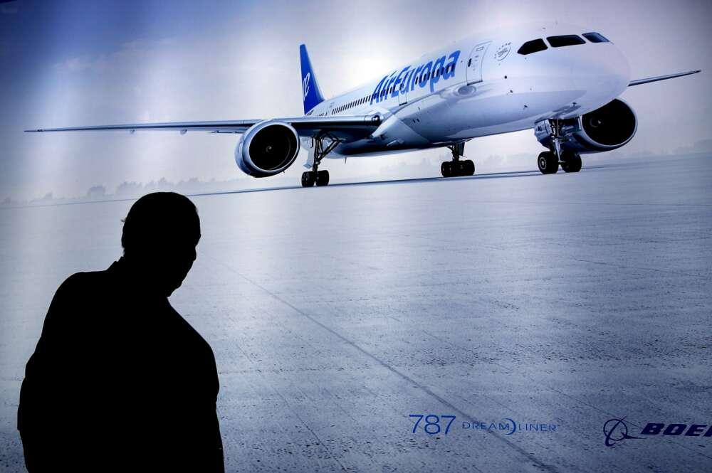 Iberia, Air Europa y easyJet avisan: el pasaporte será obligatorio para viajar a Reino Unido.
