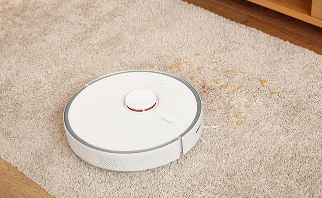 Cuando detecta una alfombra el S6 Pure ajusta automáticamente la potencia de succión para un mejor limpieza