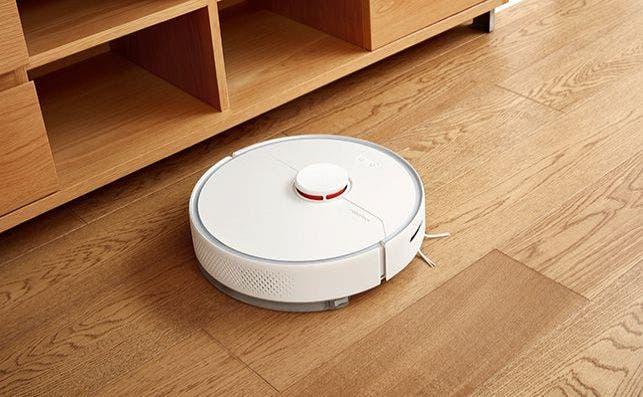 El sistema de navegación láser (lidar) situado sobre el robot gira 300 veces por minuto para producir un mapa detallado de la vivienda.