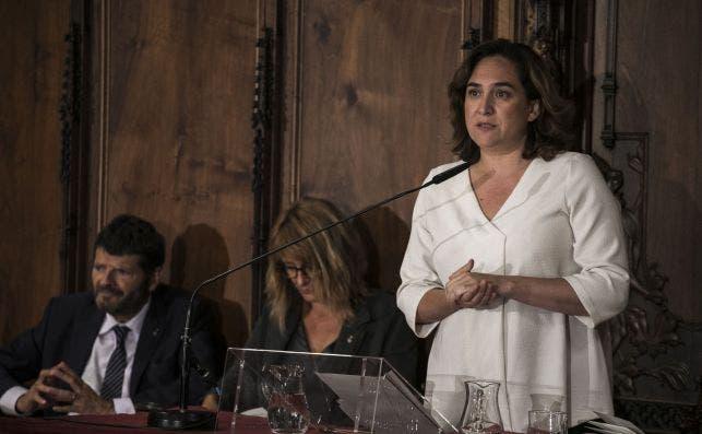 La alcaldesa de Barcelona, Ada Colau, votó personalmente contra la colocación del retrato de Felipe VI en la sala de plenos. /AJUNTAMENT DE BARCELONA