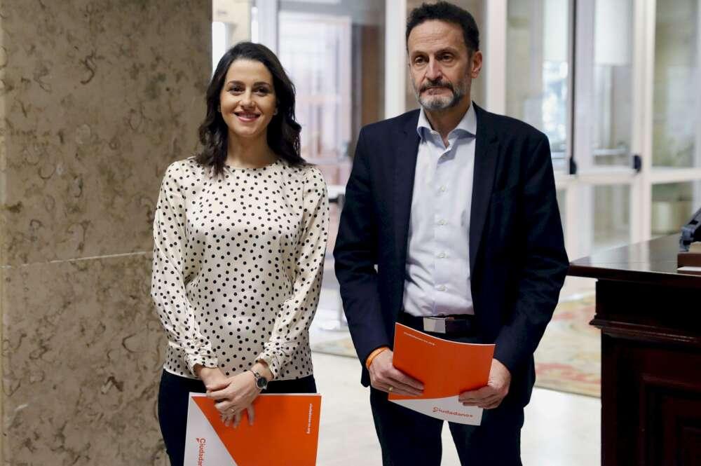 Inés Arrimadas y Edmundo Bal, portavoces de Ciudadanos en el Congreso, presentaron este viernes una proposición de ley para que los prófugos de la justicia no puedan ser candidatos electorales. /EFE/Ballesteros
