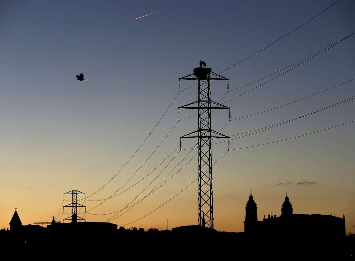 El precio del suministro de energía y gas se dispara. EFE/Jesús Diges