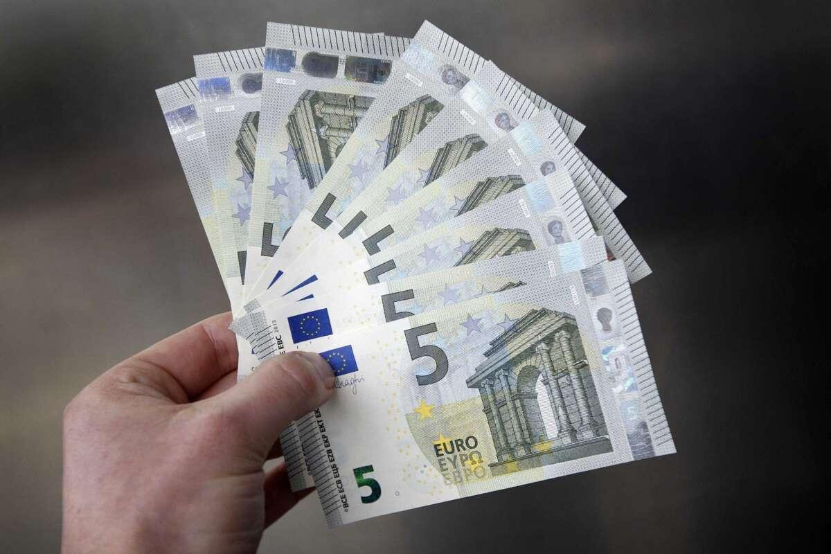 Dinero en efectivo.