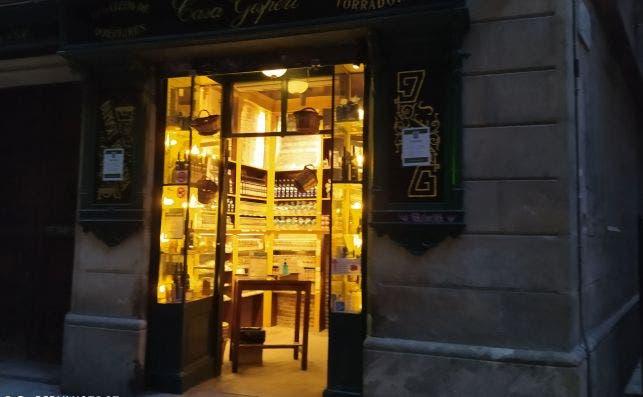 Casa Gispert conserva su antigua tienda al lado de Santa Maria del Mar. Se ha adaptado al comercio online y a la exportación exterior. /ED