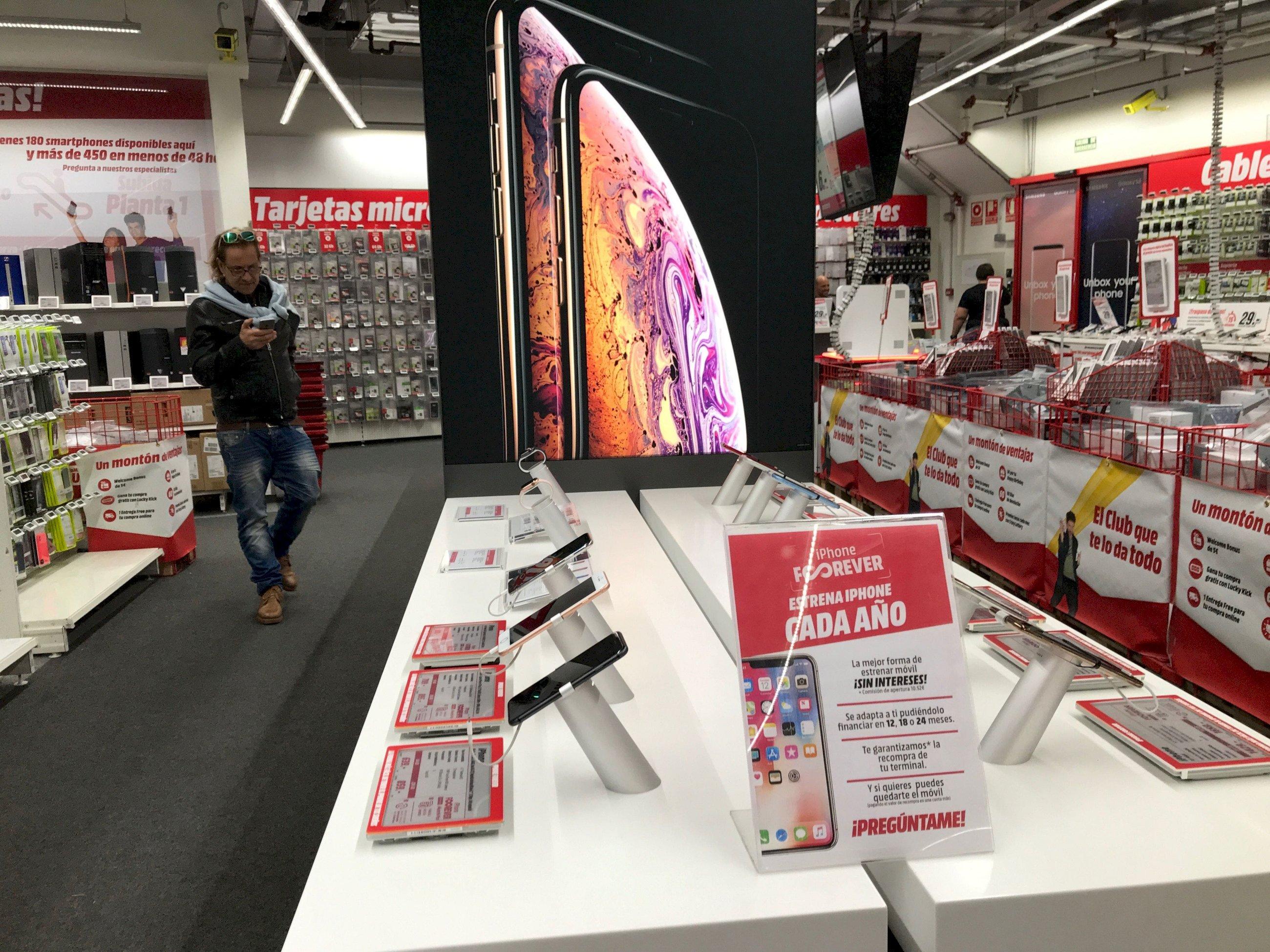 Las Trampas Del Día Sin Iva Destrozan A Media Markt