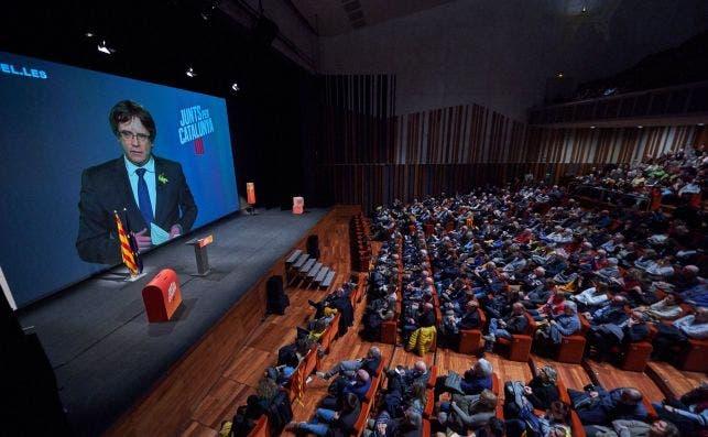 El expresidente de la Generalitat, Carles Puigdemont, en un acto de campaña electoral / Julio Díaz (JxCat)