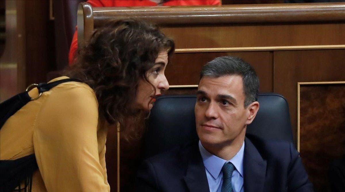 María Jesús Montero y Pedro Sánchez./ EFE