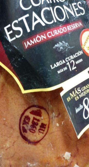 Un jamón curado Navidul Cuatro Estaciones con óvalo sanitario de un matadero húngaro /ED