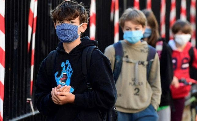 Los anticuerpos de un catarro protegen a los niños del coronavirus