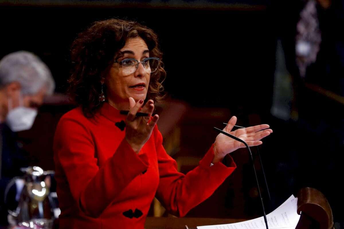 La ministra de Hacienda, María Jesús Montero, interviene en el Congreso.