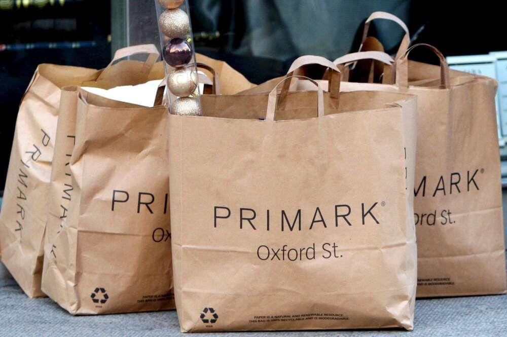 Bolsa de Primark de la tienda de Oxford Street, en Londres.