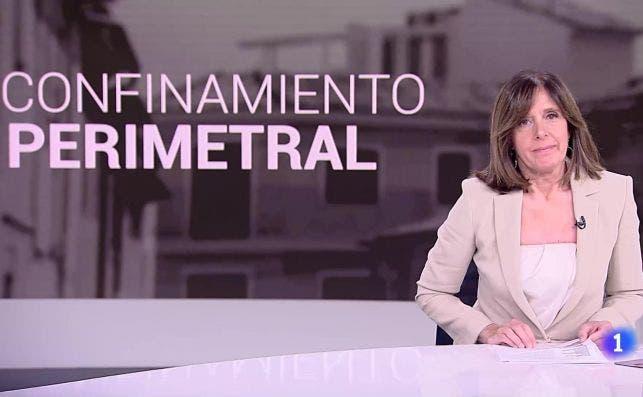 La conductora de los informativos de La 1 de TVE, Ana Blanco, informa de los confinamientos perimetrales por la segunda ola de Covid-19 en España | RTVE/Archivo