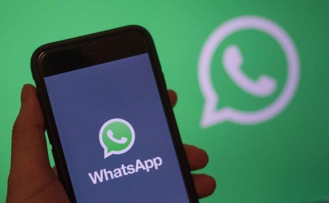WhatsApp trata de recortar distancias con competidoras como Signal, Telegram o Zoom y prepara videollamadas  para su versión de navegador./ EFE