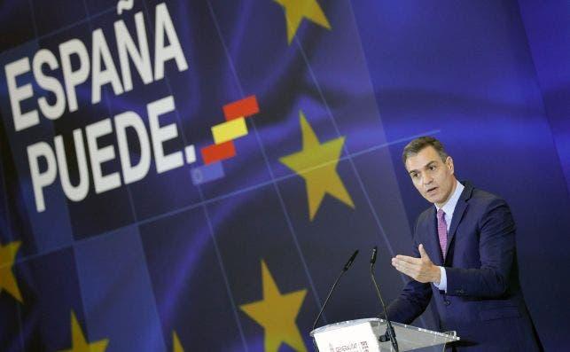 El presidente del Gobierno, Pedro Sánchez, durante su intervención en el Museo de las Ciencias de Valencia. EFE/Manuel Bruque