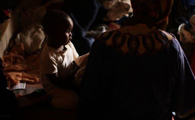 filles pour moins de 400 euros et enfants de 600. C'est le marché noir des bébés qui opère à Nairobi dans les rues , des hôpitaux corrompus et des cliniques illégales./ getty
