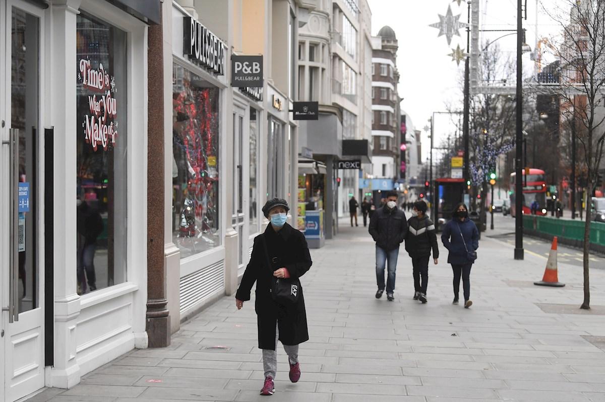 Viandantes en Oxford Street, Londres, Reino Unido. EFE/EPA/NEIL HALL