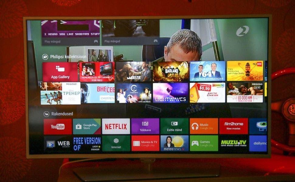 Imagen de archivo de una Smart TV con la aplicación de Youtube instalada   Flickr