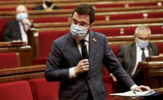 El vicepresidente de la Generalitat en funciones de presidente, Pere Aragonès, durante la sesión de control al Govern en el Parlament. EFE/Quique García