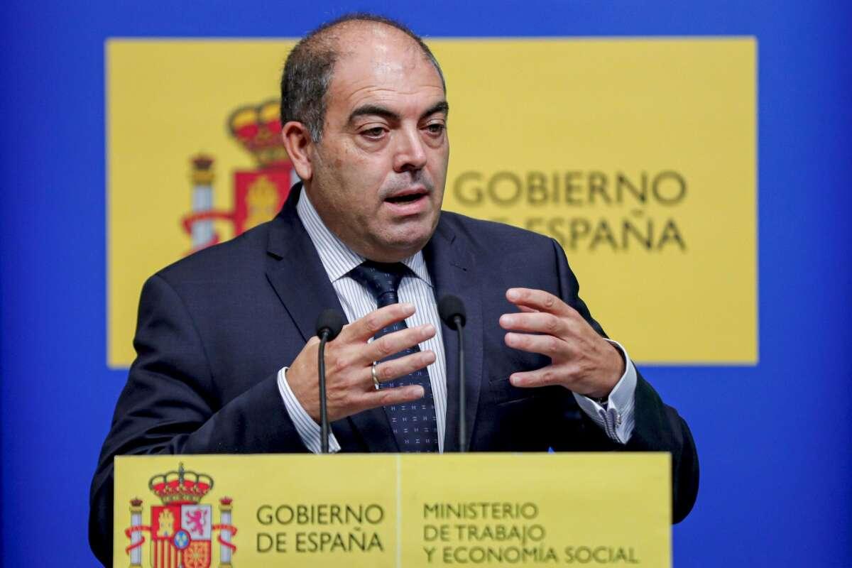 El presidente de las Asociaciones de Trabajadores Autónomos (ATA), Lorenzo Amor, clama contra la falta de ayudas del Gobierno tras la crisis de la Covid-19. EFE/Emilio Naranjo