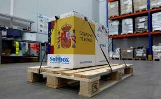 Las primeras dosis de la vacuna frente al COVID-19 desarrollada por la compañía Pfizer han llegado este sábado al centro logístico de Pfizer en Guadalajara. EFE