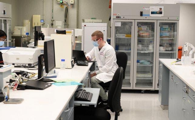 La vacuna de Oxford y Astrazeneca es efectiva en el 70,4% de las ocasiones
