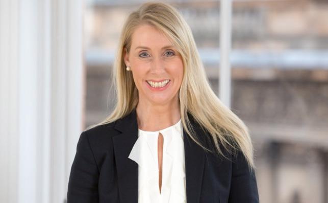 Debbie Crosbie, consejera delegada de TSB, filial del Sabadell. / TSB