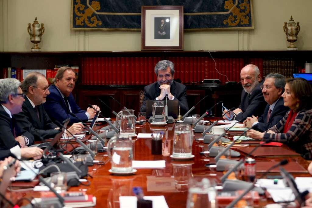 El presidente del Consejo General del Poder Judicial (CGPJ), Carlos Lesmes, al inicio de uno de los plenos del organismo que ha mostrado su malestar con el GobiernoEFE/Archivo