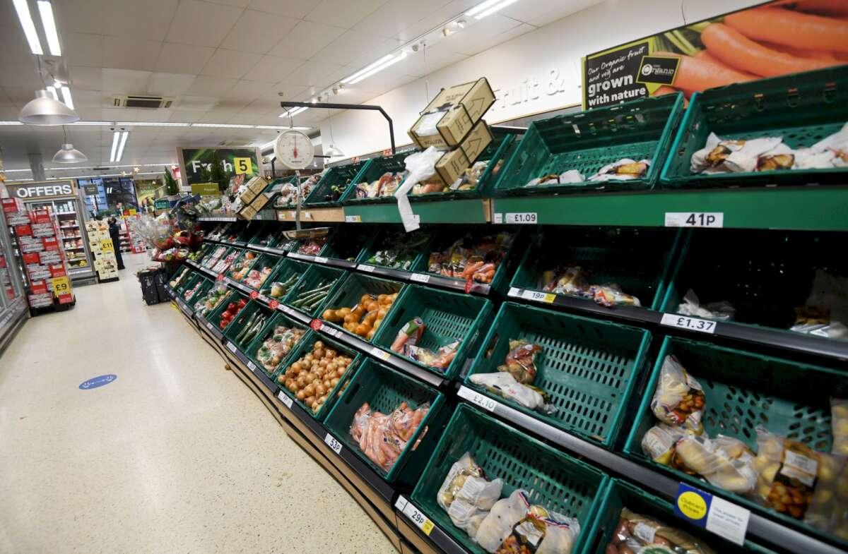 Mercadona, Carrefour y Lidl-afrontan un otoño difícil por la subida de la luz. // EFE