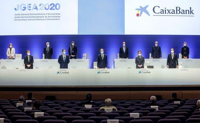 La junta de accionistas de Caixabank aprueba la fusión con Bankia. EFE