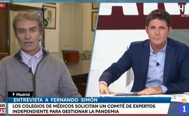 Jesús Cintora entrevista a Fernando Simón en la primera emisión de 'Las cosas claras' en La 1 de TVE, el 16 de noviembre de 2020 | RTVE