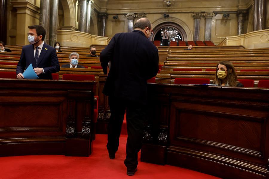 Sesión de la Diputación Permanente del Parlament, una vez disuelta la Cámara ante las elecciones catalanas del 14F / EFE