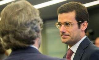 El director general del Área Educación del Grupo Planeta Pablo Lara (d). EFE/Quique García