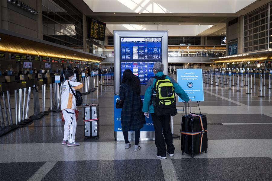 Vista de un aeropuerto en Estados Unidos. EFE/Etienne Laurent