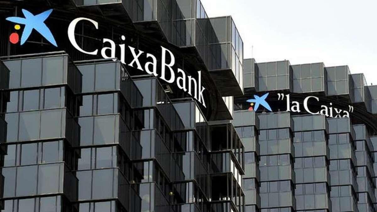 Oficinas de Caixabank en la Diagonal de Barcelona./ EFE